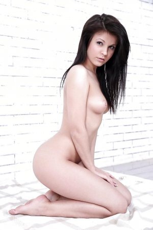 Kalissy luxus escort in Apen